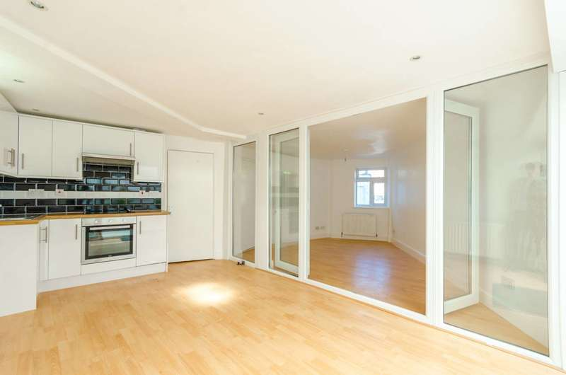 6 Bedrooms House for sale in Conway Road, Harringay, N15