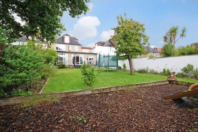 6 Bedrooms Detached House for sale in Hoadly Road, London SW16