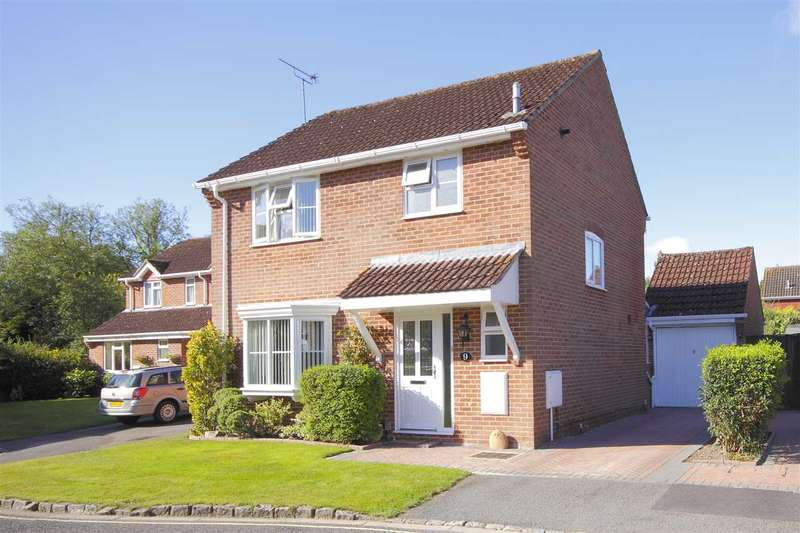 3 Bedrooms Detached House for sale in Sainsbury Close, Andover