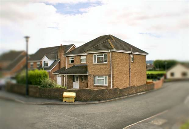 5 Bedrooms Detached House for sale in Park View Drive, Kidwelly, Carmarthenshire