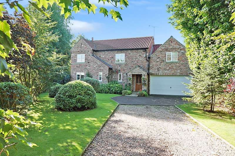 4 Bedrooms Detached House for sale in Main Street, Church Fenton, LS24