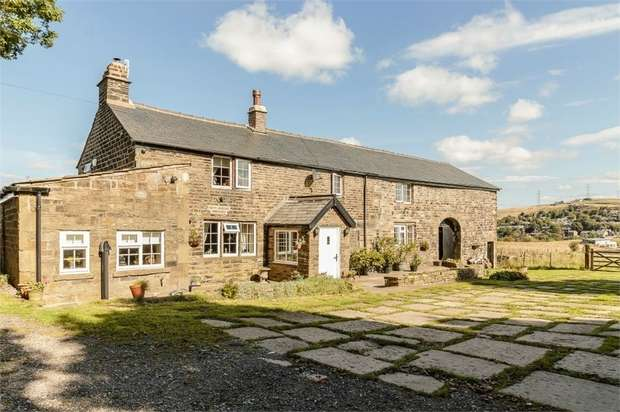 4 Bedrooms Detached House for sale in Smallshaw Road, Rochdale, Lancashire