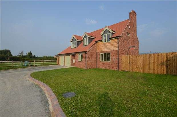 5 Bedrooms Detached House for sale in Hillend, Twyning, Tewkesbury, Gloucestershire, GL20 6DW