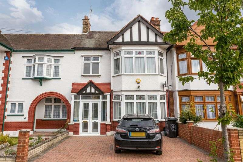 3 Bedrooms Terraced House for sale in Middleton Gardens, Ilford