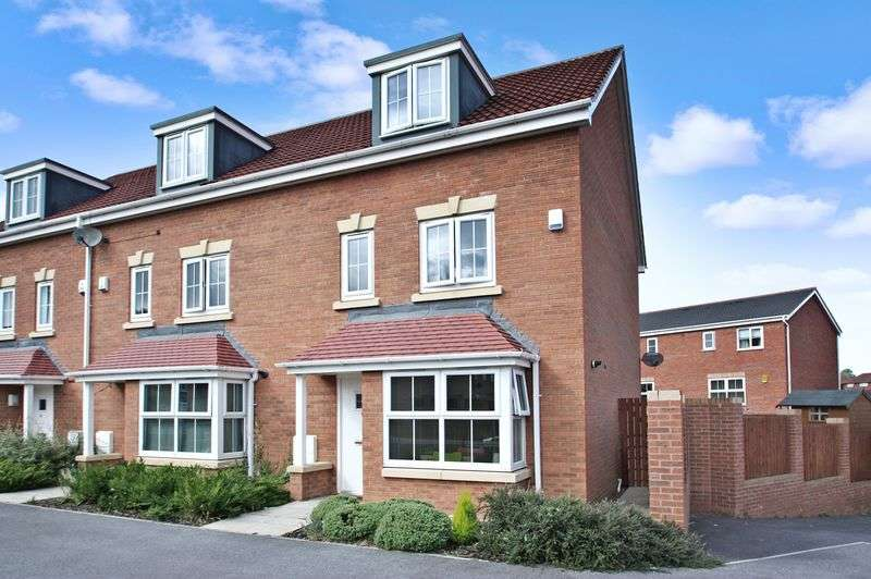 4 Bedrooms House for sale in Heather Court, Whitwood