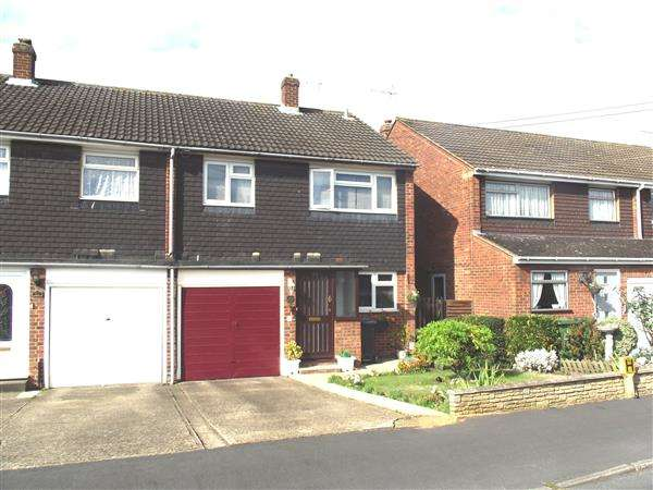 3 Bedrooms Semi Detached House for sale in Caxton Road, Hoddesdon