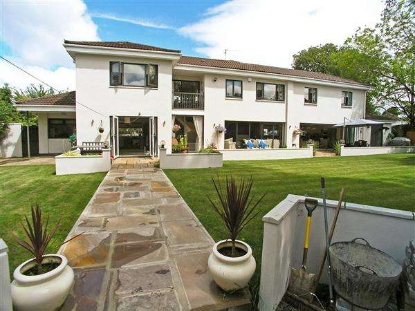 5 Bedrooms Detached House for sale in Pwllmelin Road, Llandaff, Cardiff