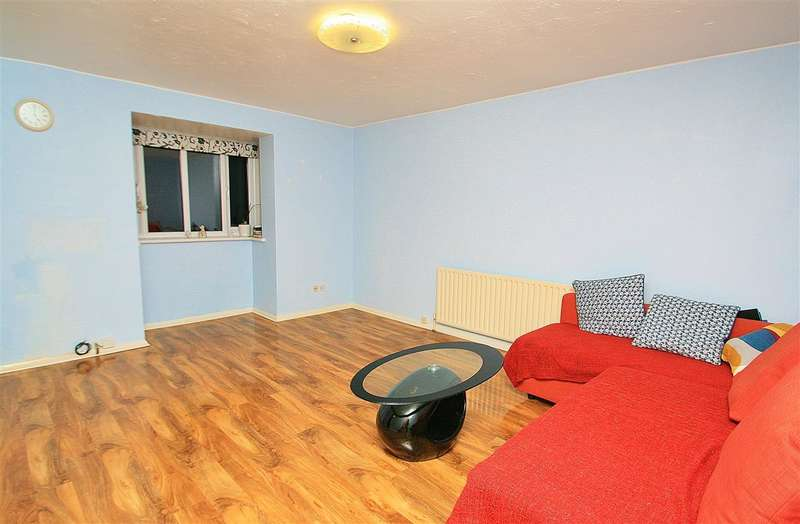 Flat in  Clivesdale Drive  Hayes  UB3  Richmond