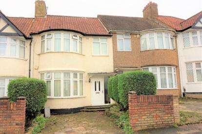 Terraced house in  Wakemans Hill Avenue  London  NW9  Richmond