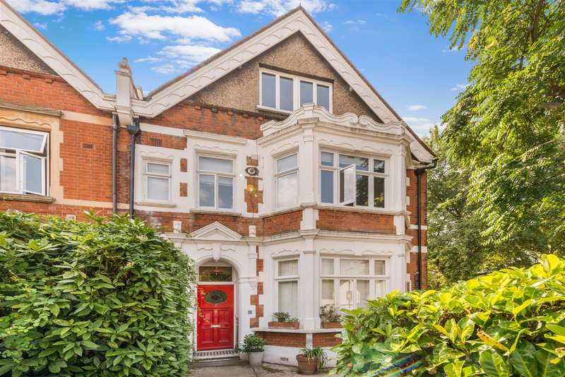 Flat in  St Cuthberts Road  London  NW2  Richmond