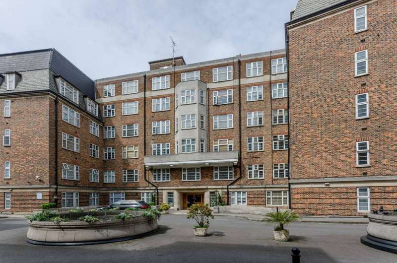 Flat in  College Crescent  London  NW3  Richmond