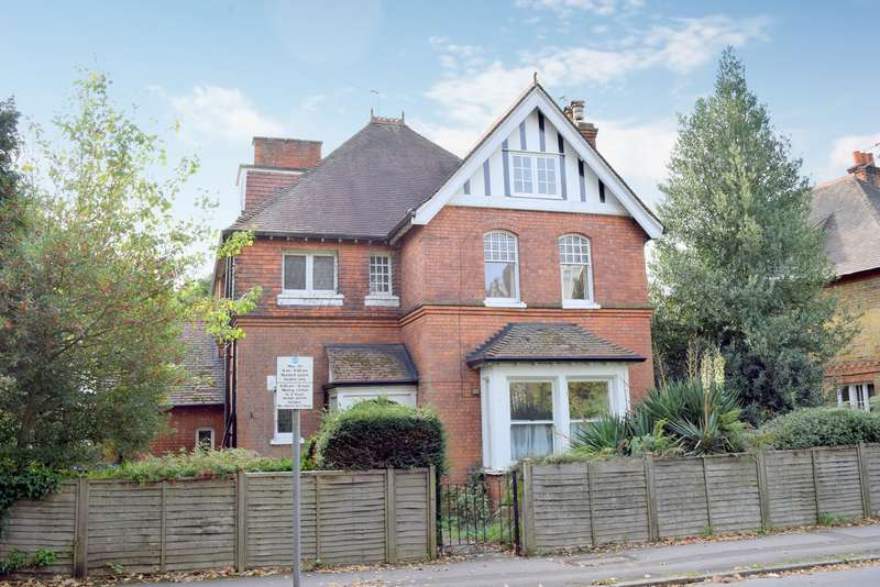 Detached house in  Station Avenue  Walton-on-thames  KT12  Richmond