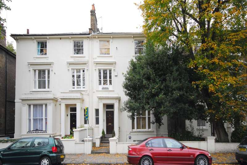 Flat in  Marlborough Hill  St. Johns Wood  NW8  Richmond