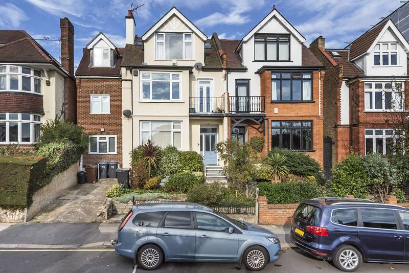Flat in  Dora Road  London  SW19  Richmond