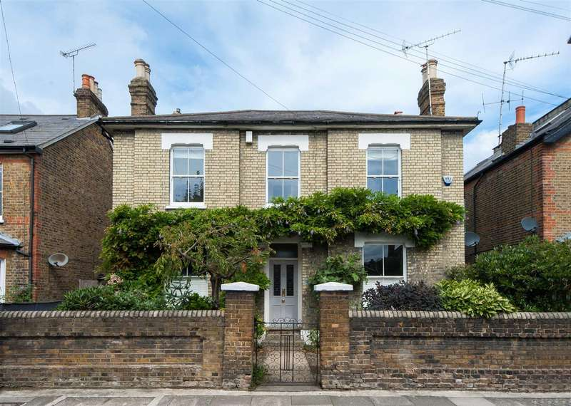 Detached house in  Richmond Park Road  Kingston Upon Thames  KT2  Richmond