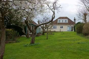 3 Bedrooms Detached House for sale in Tanglewood, Pill Road, Bristol