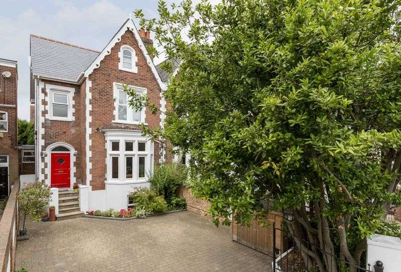5 Bedrooms Semi Detached House for sale in Hillborough Crescent, Southsea