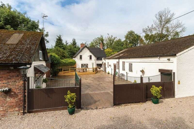 5 Bedrooms Detached House for sale in Moss Lane, High Legh, Knutsford