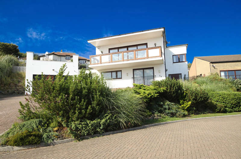 4 Bedrooms Detached House for sale in Temeraire Heights