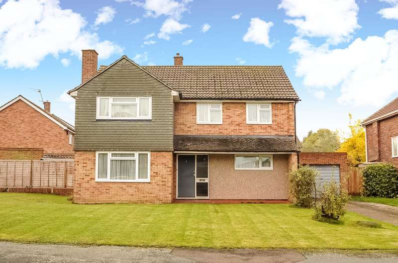4 Bedrooms House for sale in Chichester Avenue, Ruislip, Middlesex, HA4