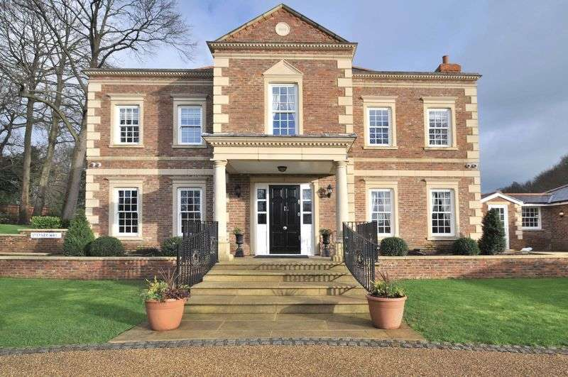 6 Bedrooms Detached House for sale in Rowhill Road, Wilmington