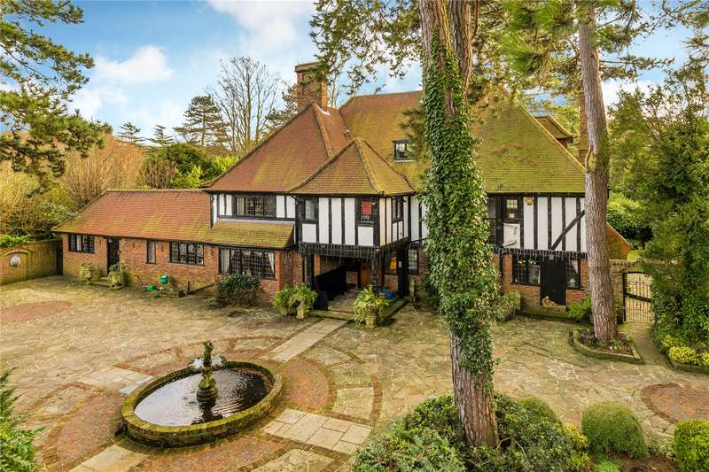 5 Bedrooms Detached House for sale in Rose Walk, Purley, Surrey, CR8