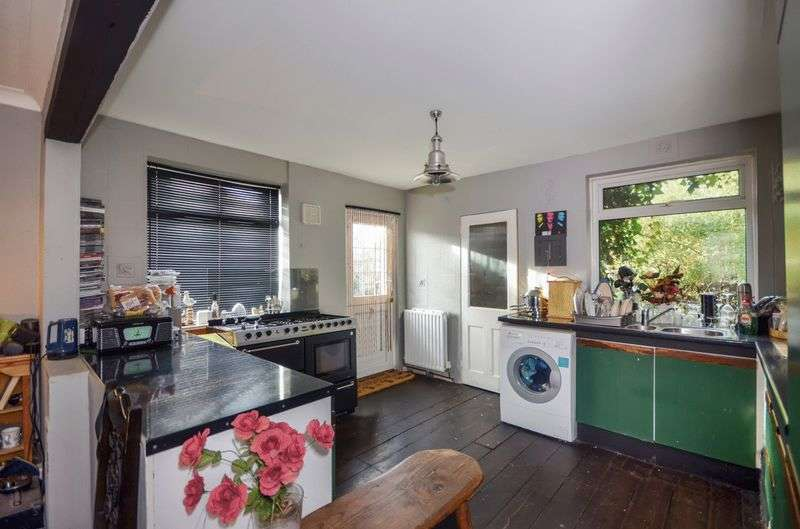 5 Bedrooms Detached House for sale in Dymchurch Road, Romney Marsh