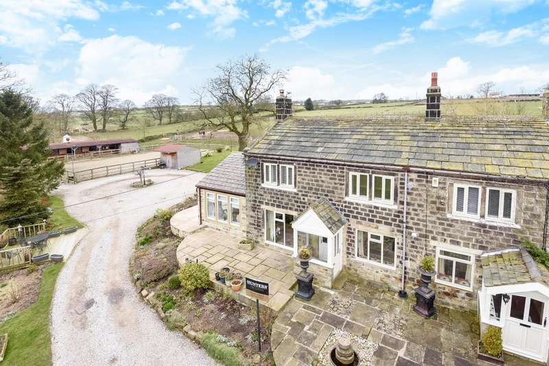 4 Bedrooms Equestrian Facility Character Property for sale in Carlton Lane, Guiseley, Leeds, LS20 9NL