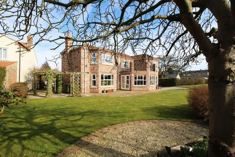 5 Bedrooms Detached House for sale in Main Street, Elvington viewings available 7 days a week with the agent.