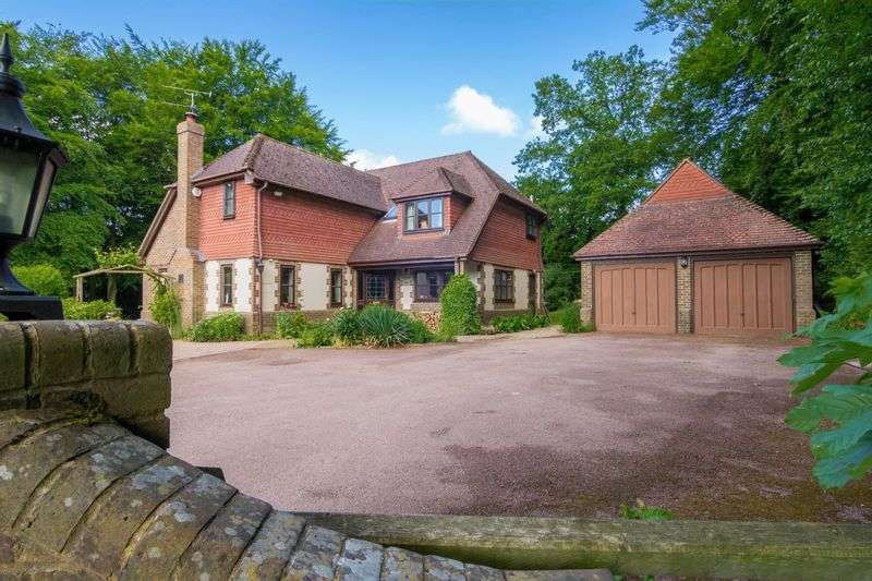 5 Bedrooms Detached House for sale in Whipsnade, Dunstable