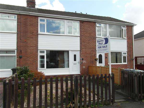3 Bedrooms Town House for sale in Milton Gardens, Liversedge