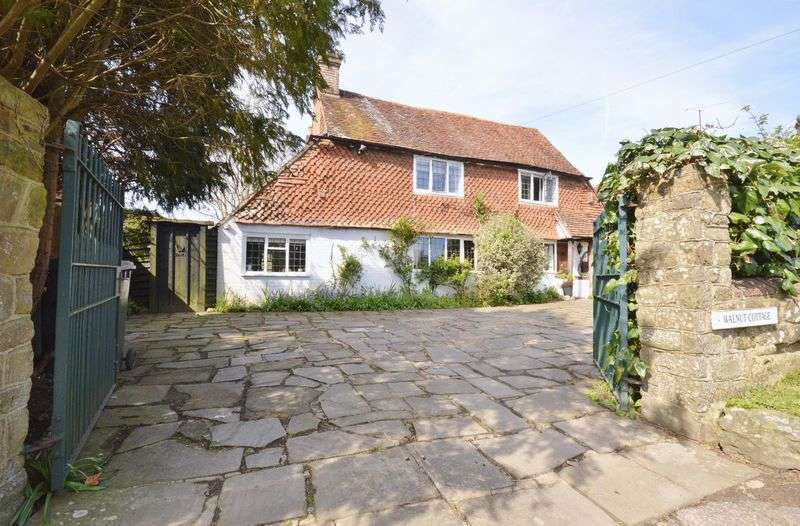 3 Bedrooms Detached House for sale in Northchapel, West Sussex