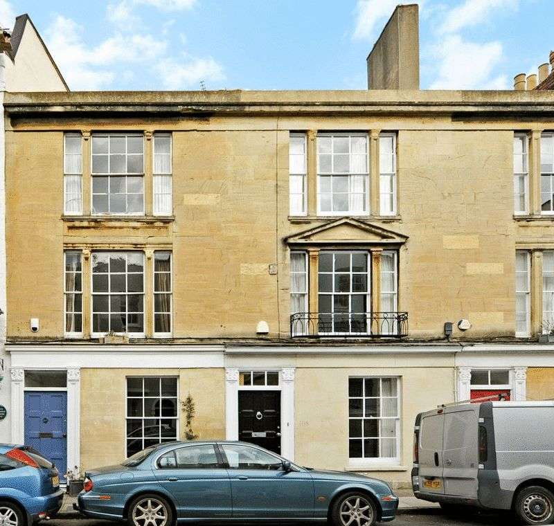 3 Bedrooms Terraced House for sale in Princess Victoria Street, Clifton