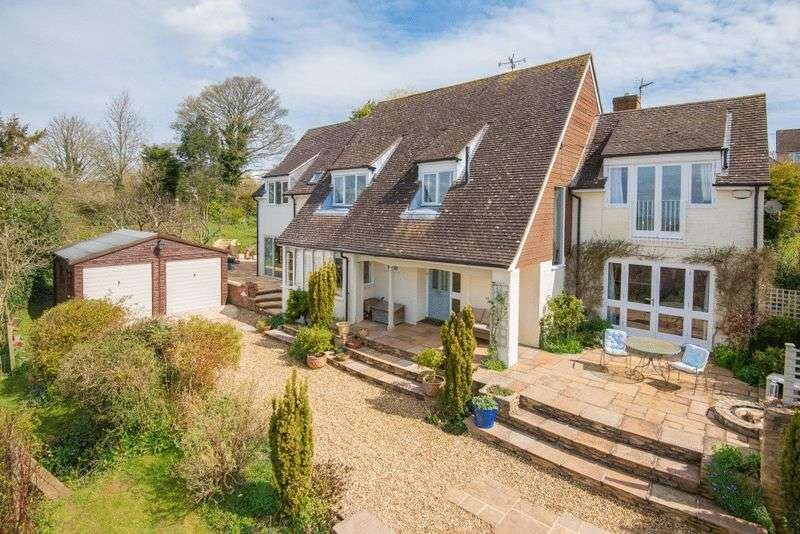 5 Bedrooms Detached House for sale in Brill