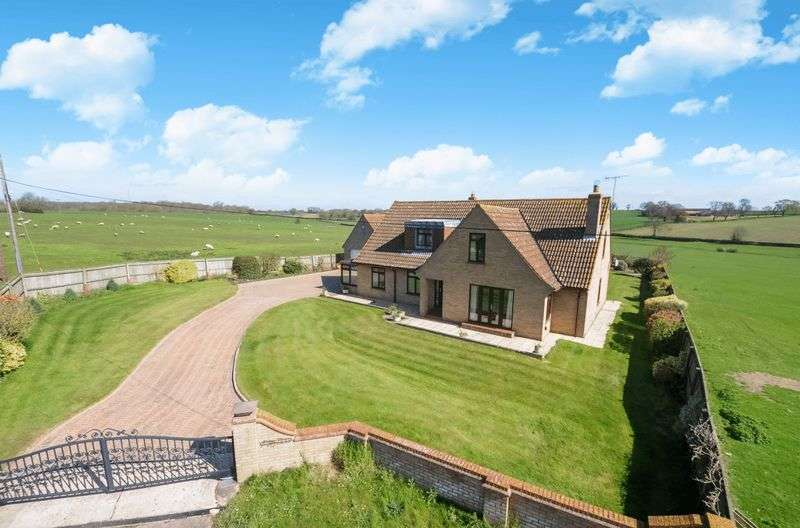 4 Bedrooms Detached House for sale in Caldecote, Peterborough