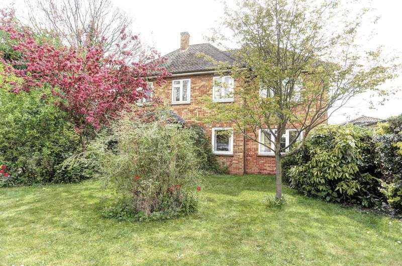 3 Bedrooms Detached House for sale in Lynton Close, Ely