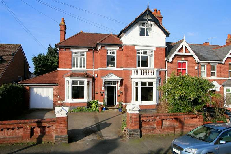 4 Bedrooms Detached House for sale in 61 Heath Street, Old Quarter