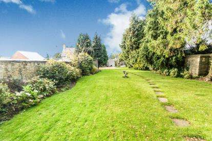 5 Bedrooms Detached House for sale in High Street, Gretton, Corby, Northamptonshire