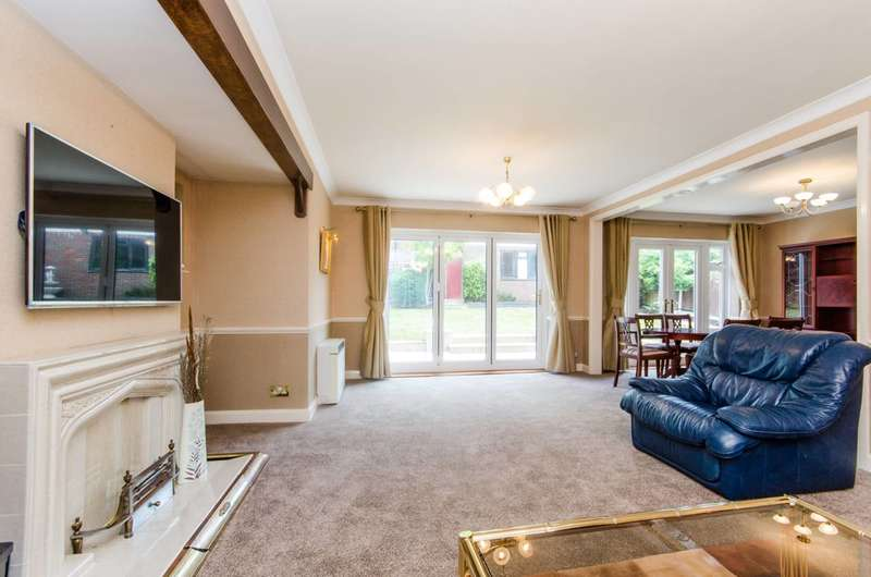 4 Bedrooms Detached House for sale in South Hill Avenue, South Harrow, HA2