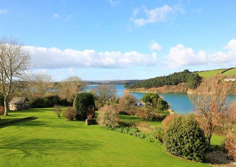 5 Bedrooms Detached House for sale in St. Just in Roseland, St Mawes