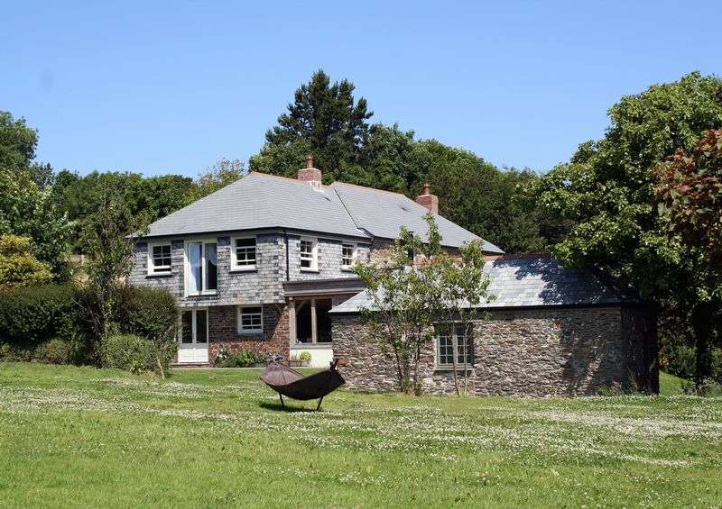 4 Bedrooms Detached House for sale in Near Tregony and Caerhays, Truro