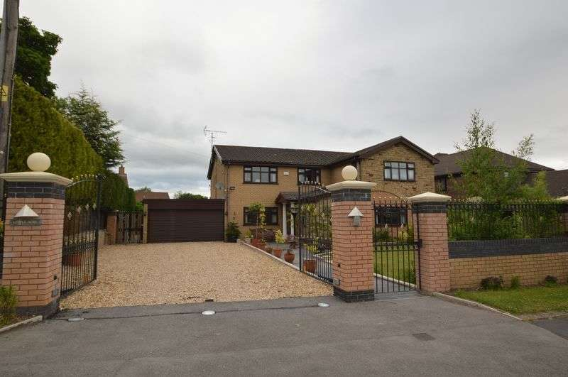 4 Bedrooms Detached House for sale in Upper Bryn Coch, Mold