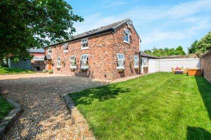 4 Bedrooms Barn Conversion Character Property for sale in Parkside Road, Winwick, Warrington, Cheshire