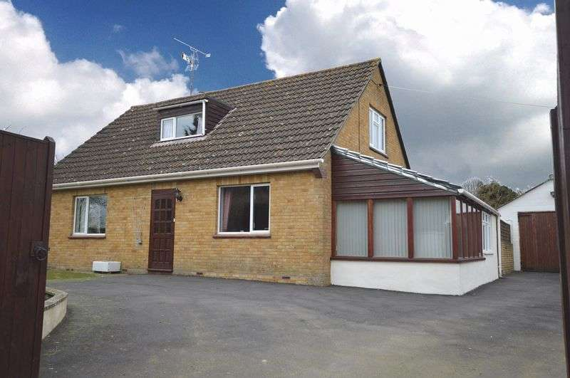 4 Bedrooms Detached Bungalow for sale in Lopen, South Petherton, Somerset