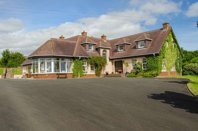 6 Bedrooms Detached House for sale in 62 Tullyhubbert Road, Ballygowan, BT23 6LY