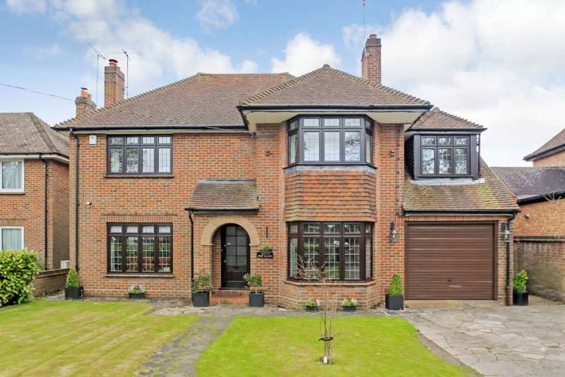 5 Bedrooms Detached House for sale in Grove Road, Tring