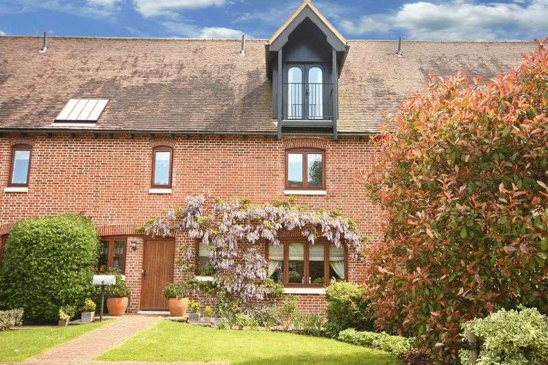 5 Bedrooms Terraced House for sale in Dacres Gate, Fyfield