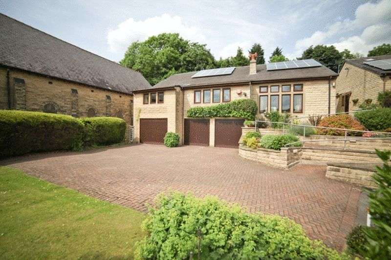 4 Bedrooms Detached House for sale in Pye Nest Road, Sowerby Bridge