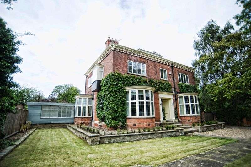 5 Bedrooms Detached House for sale in Abbey Park Road, Grimsby DN32