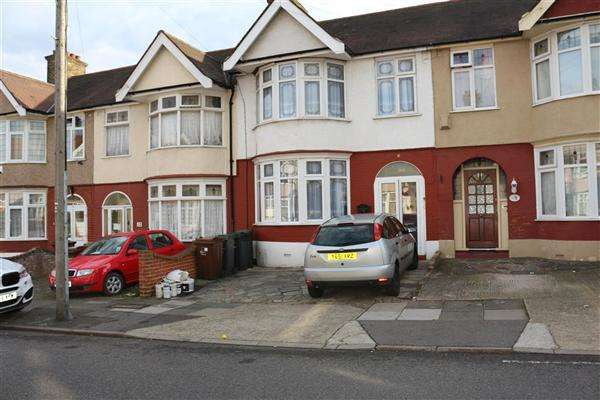 3 Bedrooms Terraced House for sale in Thornhill Gardens, Barking